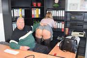 Im Büro darf ich keinen BH tragen 8