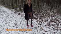 Outdoor Flashing in Pantyhose 6