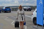 Schon nackt zum Flughafen 8