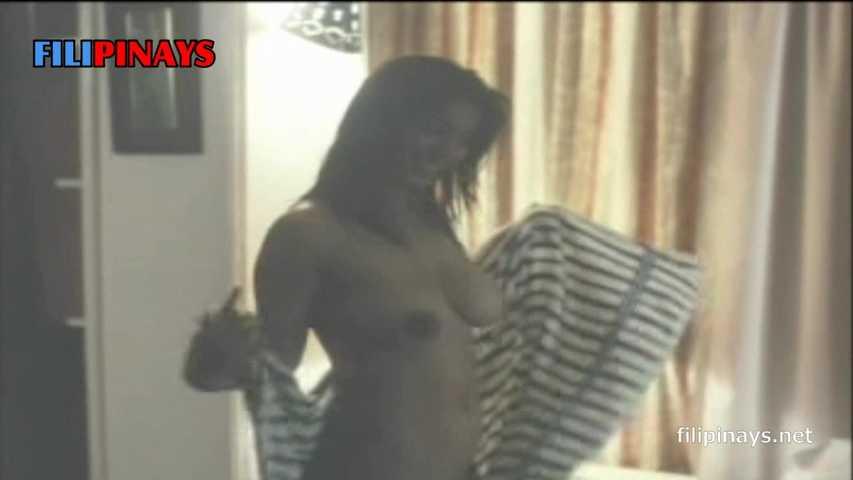 Aya Medel  nackt