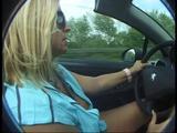 Titten raus im Cabrio 8